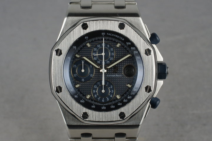 Audemars Piguet Royal Oak OffShore 25721ST with Papers photo