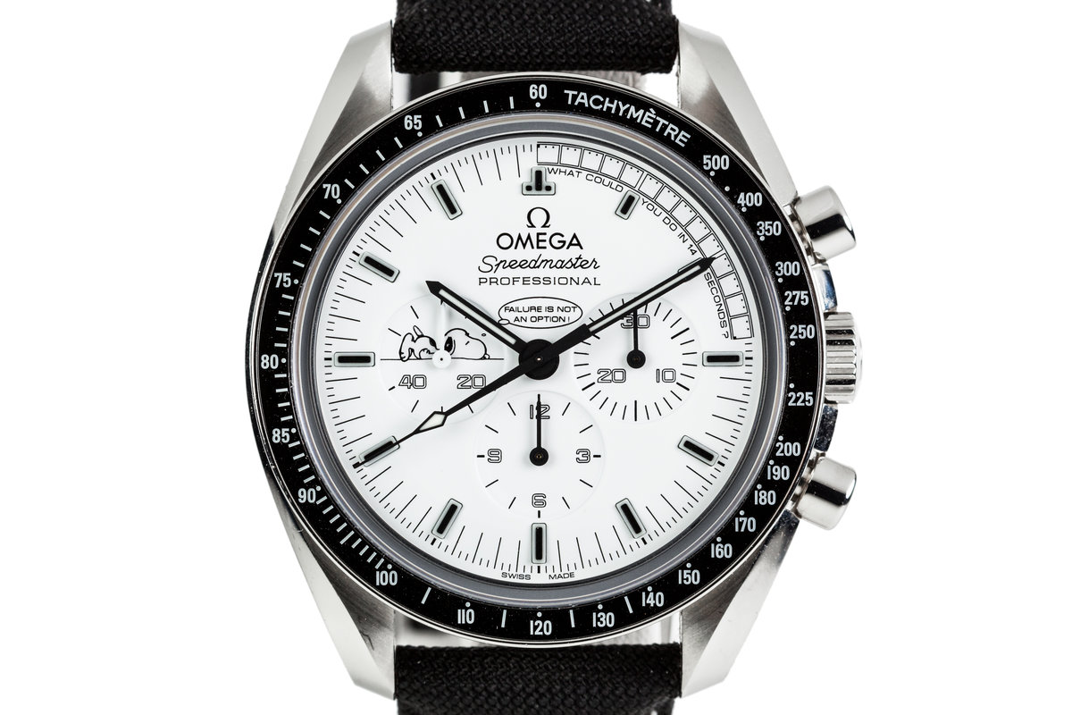 2016 Limited Edition Omega Speedmaster Professional Snoopy Award 311.32.42.30.04.003 with Box and Papers photo, #0