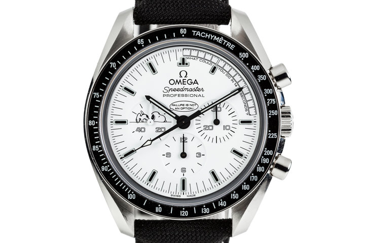 2016 Limited Edition Omega Speedmaster Professional Snoopy Award 311.32.42.30.04.003 with Box and Papers photo