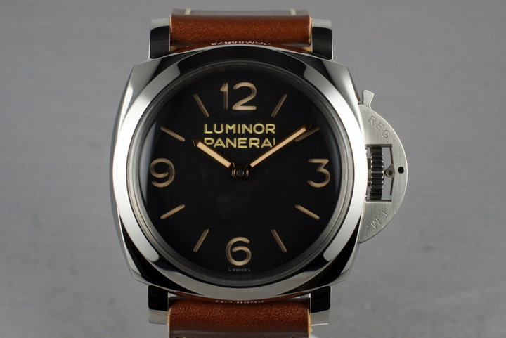 Panerai PAM 372 with Box and Papers photo